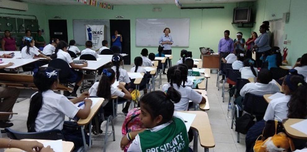 Chiricanos participan en el concurso de cuento infantil Medio Pollito 2018