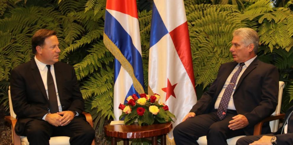 Varela respalda apertura económica de Cuba a través de la conectividad
