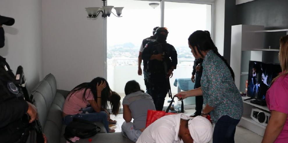 Detienen a un colombiano y una panameña por explotación sexual en Betania