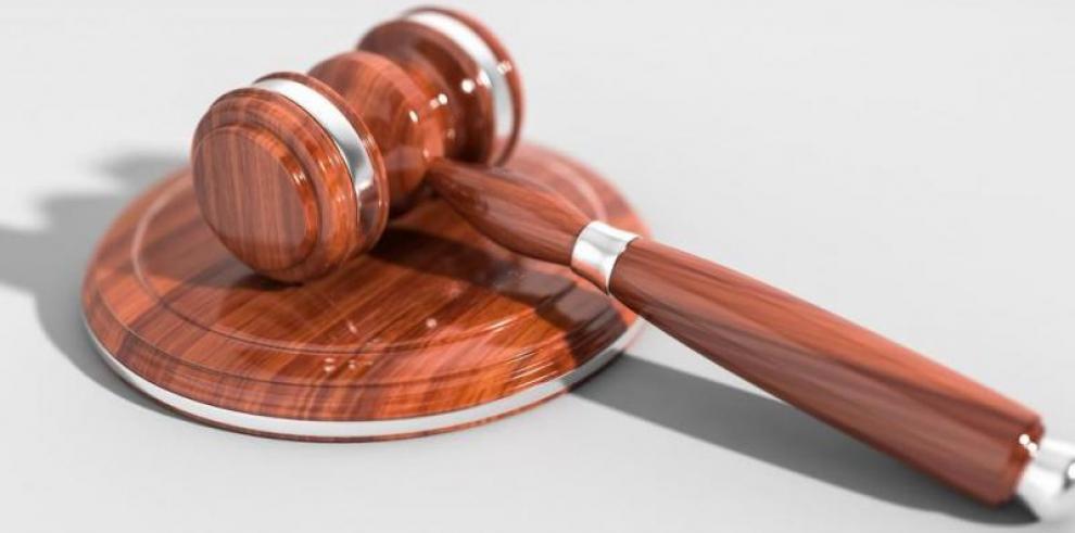Condenan a dos mujeres por falsificación de documentos