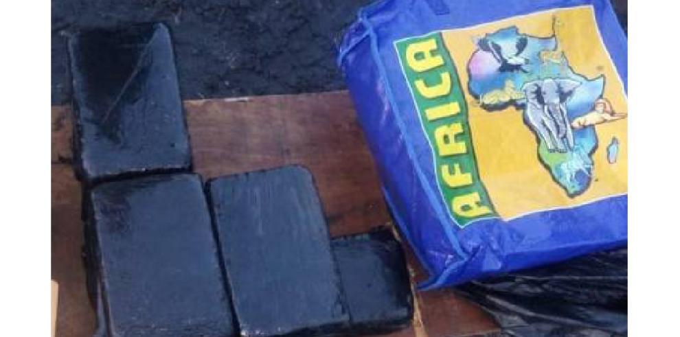 MP decomisa 121 paquetes de presunta sustancia ilícita en Juan Hombrón