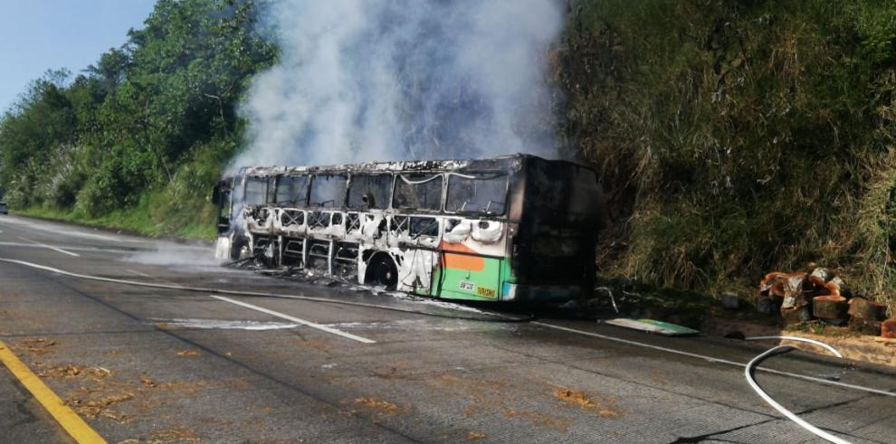 Se incendió bus de Colón