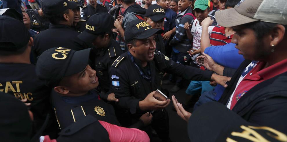 Relator de la ONU pide a México y EEUU proteger derechos de caravana migrante