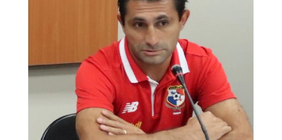 Técnico argentino al frente de selección de Panamá se quita la albiceleste