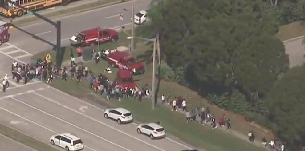 Tiroteo con una veintena de víctimas en un colegio del sur de Florida