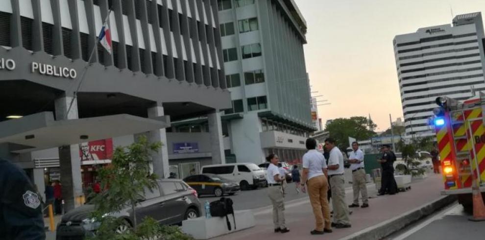 Investigan causas delconato de incendio en edificio AVESA