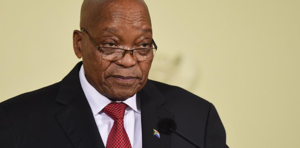 Zuma, de héroe del pueblo a rechazado por su propio partido por corrupto