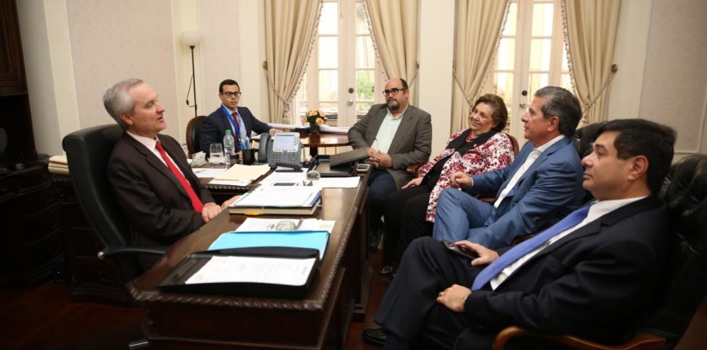 Alemán recibe al panameñismo para consultas de una Asamblea Constituyente