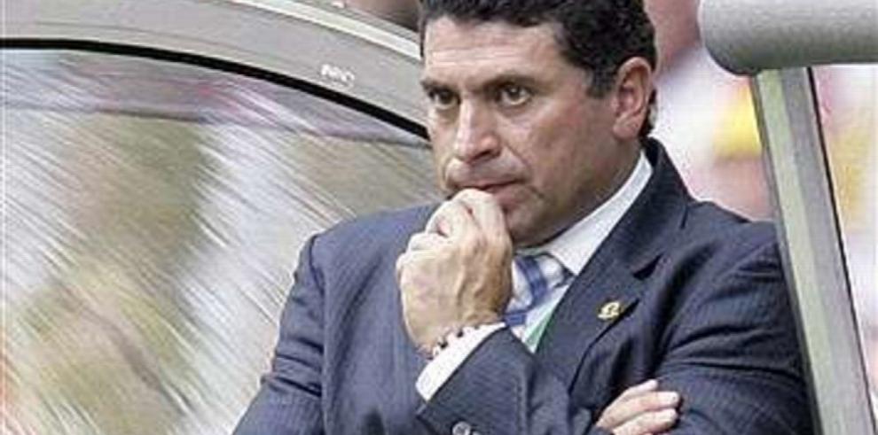 Pinto y Suárez en la lista para dirigir al onceno ecuatoriano