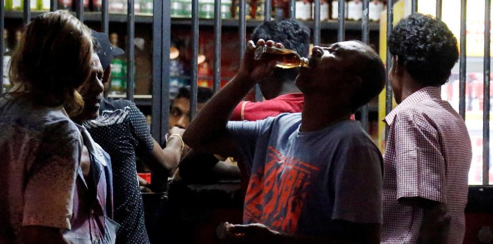 Prohibición de venta alcohol pone en pie a mujeres contra Gobierno