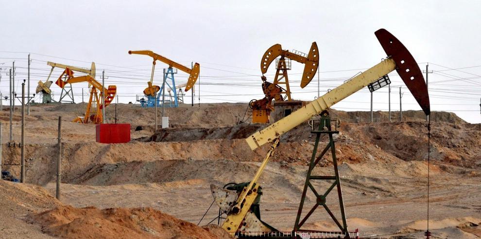 API informa de aumento inesperado en inventario de petróleo de EEUU