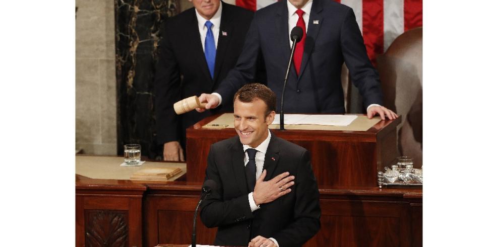 Macron alerta contra el aislacionismo en discurso ante el Congreso de EE.UU.