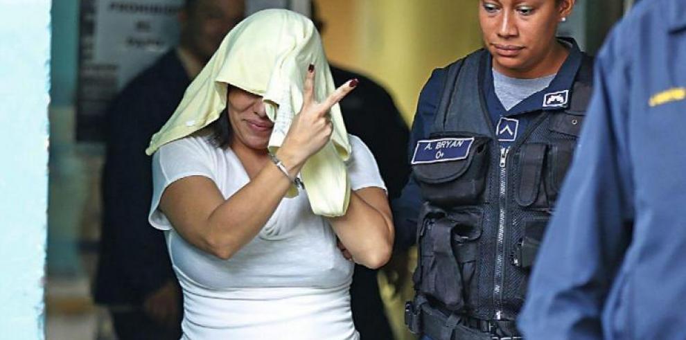 Suspenden audiencia a la abogada acusada de doble homicidio