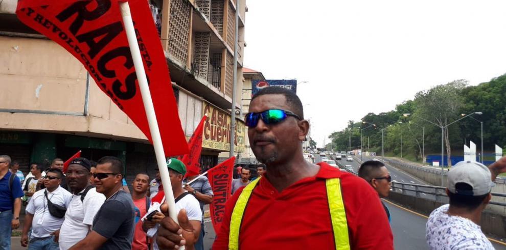 Suntracs inicia pago del subsidio de huelga, en la mesa no hay acuerdos