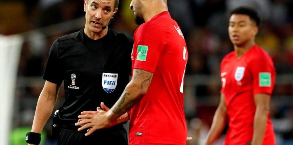 La FIFA mantiene a Geiger como árbitro