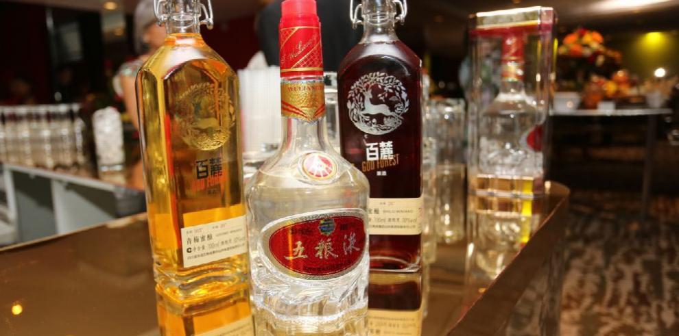 El licor de arroz llega a Panamá con los chinos
