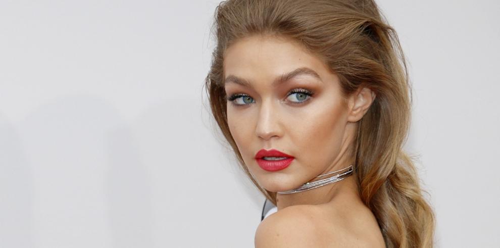 Gigi Hadid se desmarca de la polémica de su portada para Vogue Italia