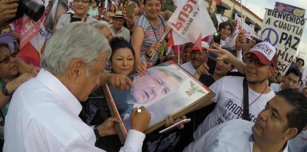 Partido de López Obrador será primera fuerza en Cámara baja, según encuesta