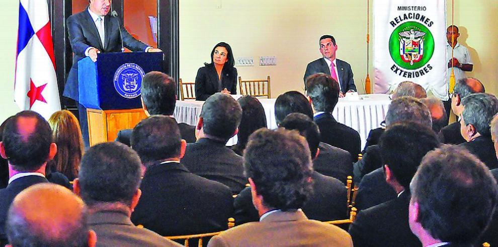 Un concurso y un testimonio de la diplomacia