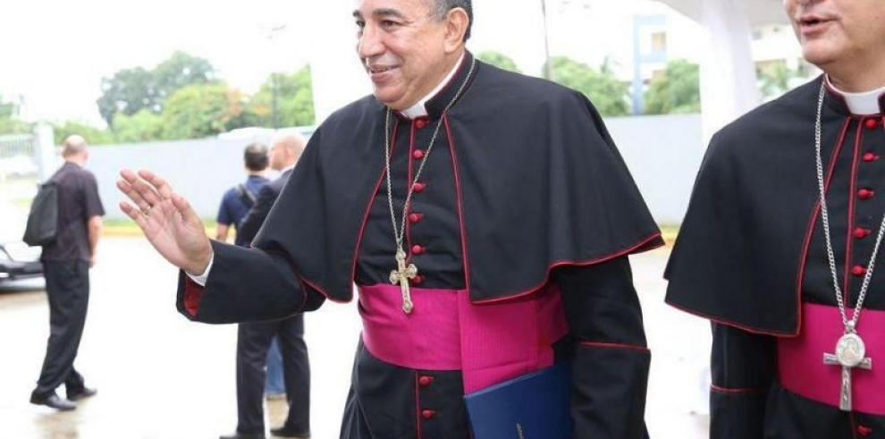 Ulloa reiteró el rechazo de la iglesia sobre el matrimonio igualitario