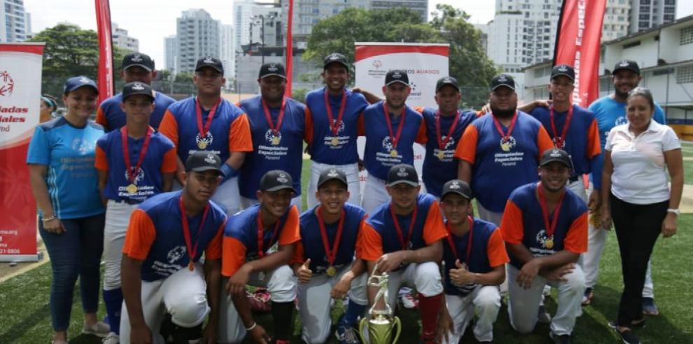 Herrera gana torneo de softbol unificado