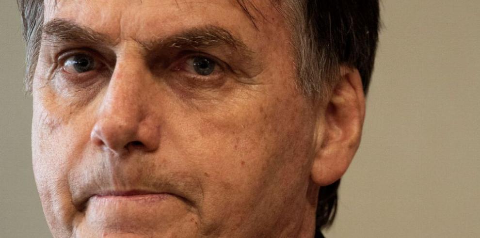 Bolsonaro bajo investigación por fondos irregulares