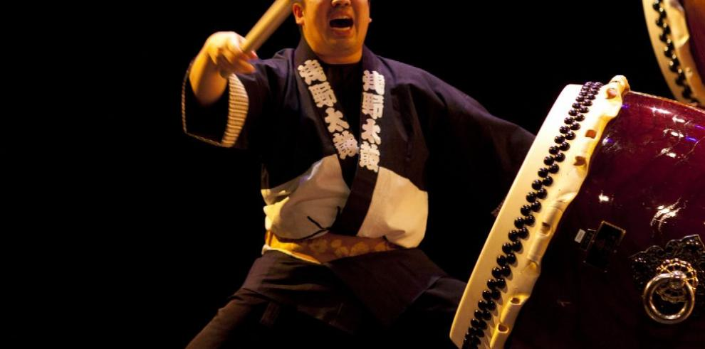 Un concierto cultural al ritmo del tambor japonés