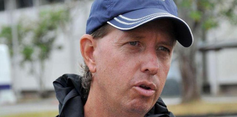Stempel dice que partido ante Ecuador será emotivo por 'el Bolillo' Gómez