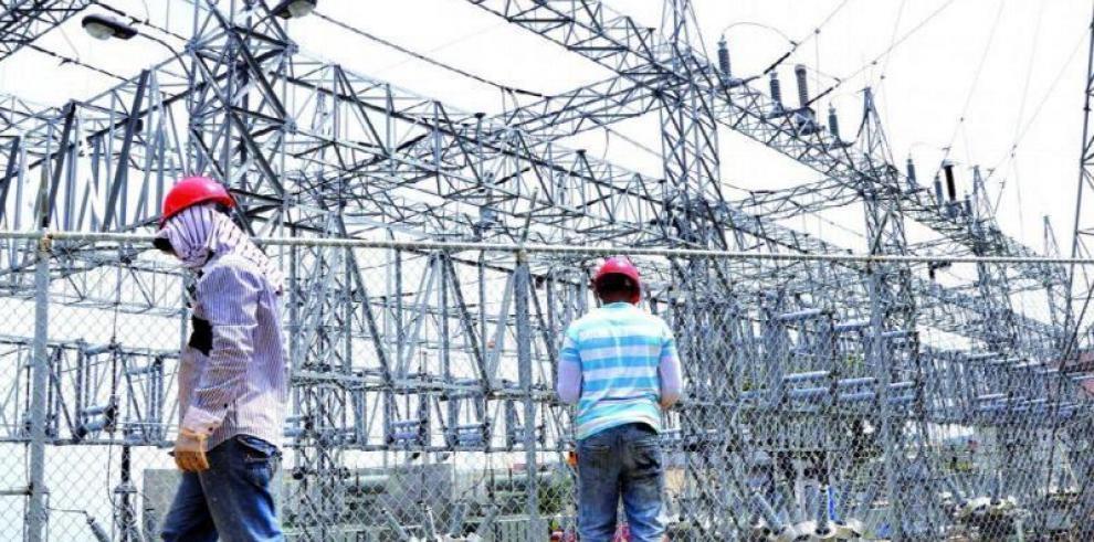 Colombia da prioridad a interconexión eléctrica con Panamá