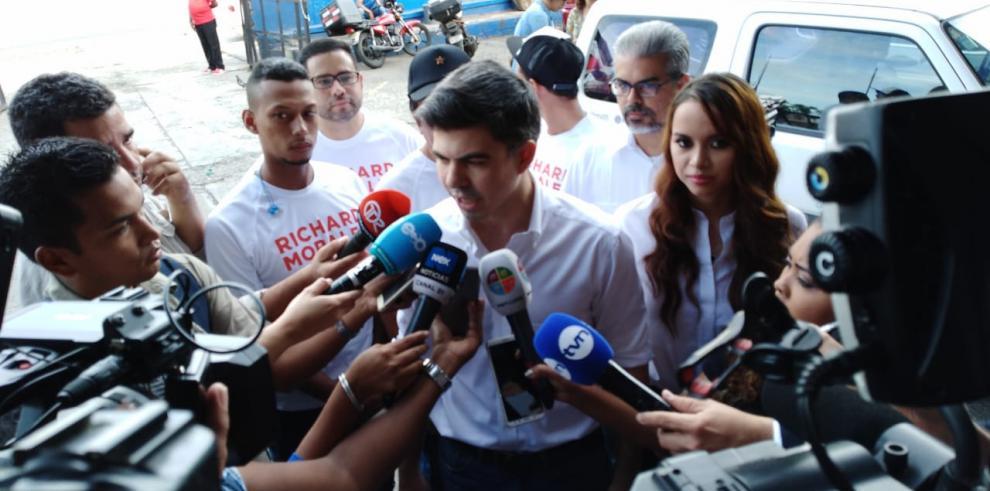 Inician las elecciones primarias presidenciales del FAD