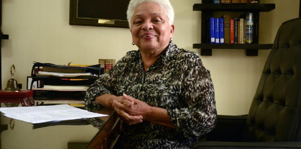 92 años de labor académica en pro del idioma