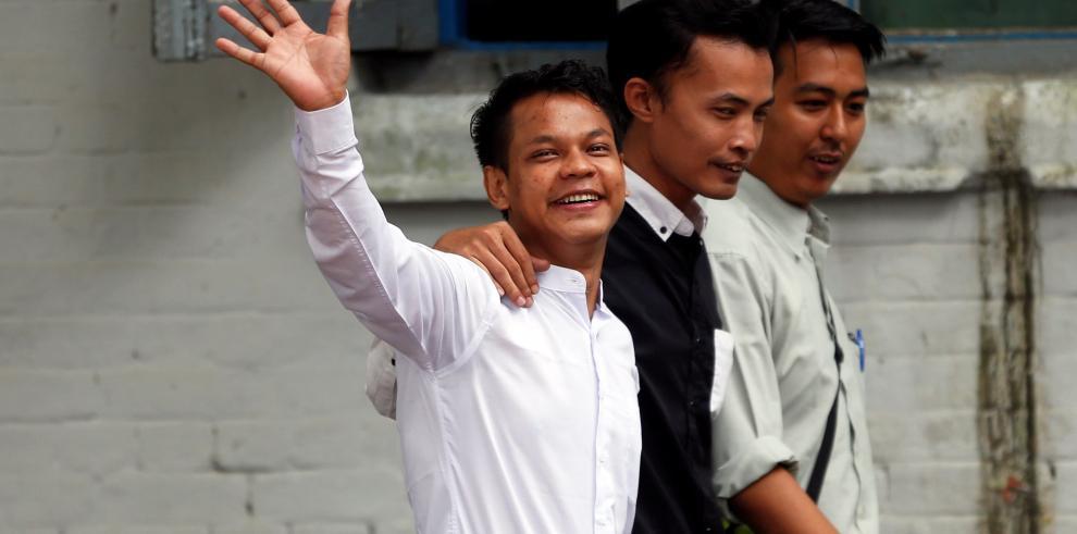 Tres periodistas detenidos en Birmania por criticar al Gobierno de Rangún