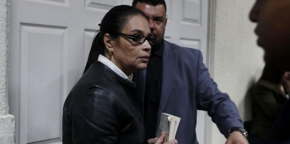 Dan 15 años de cárcel a exvicepresidenta de Guatemala por fraude