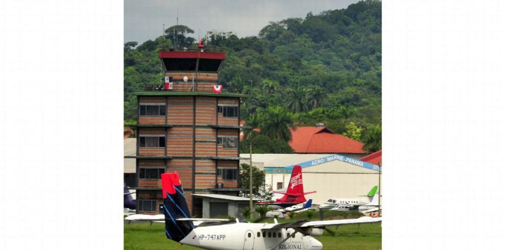 Controladores aéreos piden discusión de ley que regula la profesión