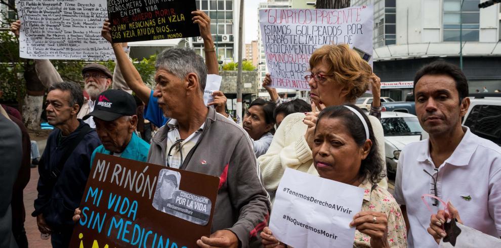 Padres venezolanos dejan de comer para alimentar a sus hijos