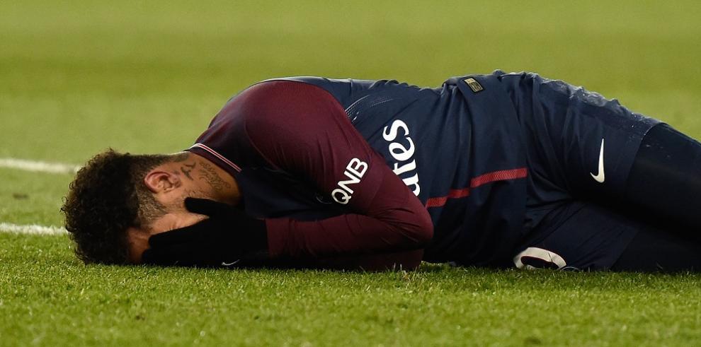 El PSG se exhibe en el clásico, pero Neymar se lesiona