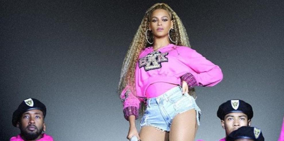 Beyoncé y Jay-Z exhiben su amor en Barcelona con un espectacular concierto