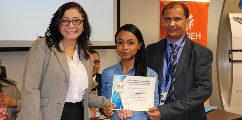 Inadeh y Metro de Panamá certifican a 57 agentes de la Línea 2 del Metro