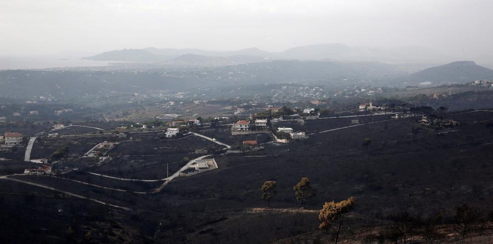 Grecia intenta paliar la catástrofe de los incendios con olas de solidaridad