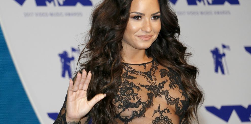 Allegados a Demi Lovato aseguran que la sobredosis que ha sufrido no fue de heroína