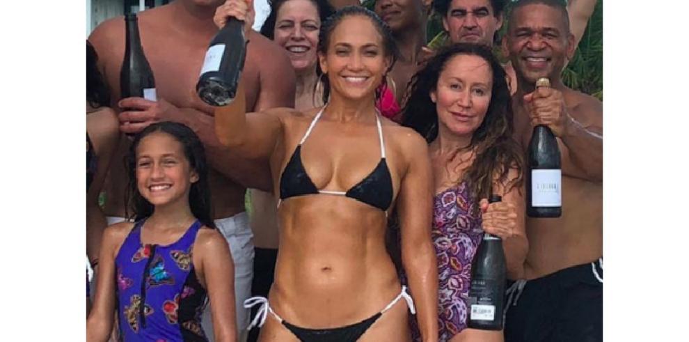 La prueba de que a sus 49 años Jennifer Lopez no ha envejecido ni un día