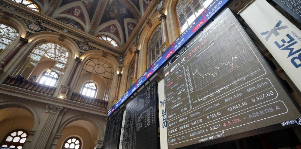Incertidumbre en Italia y España debilita los mercados financieros