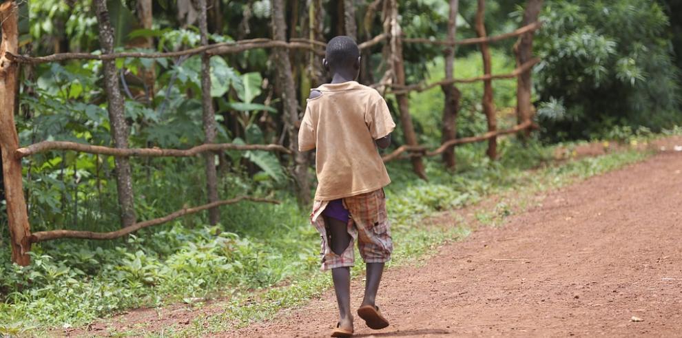 Pobreza, conflictos y exclusión amenazan a la mitad de los niños del mundo
