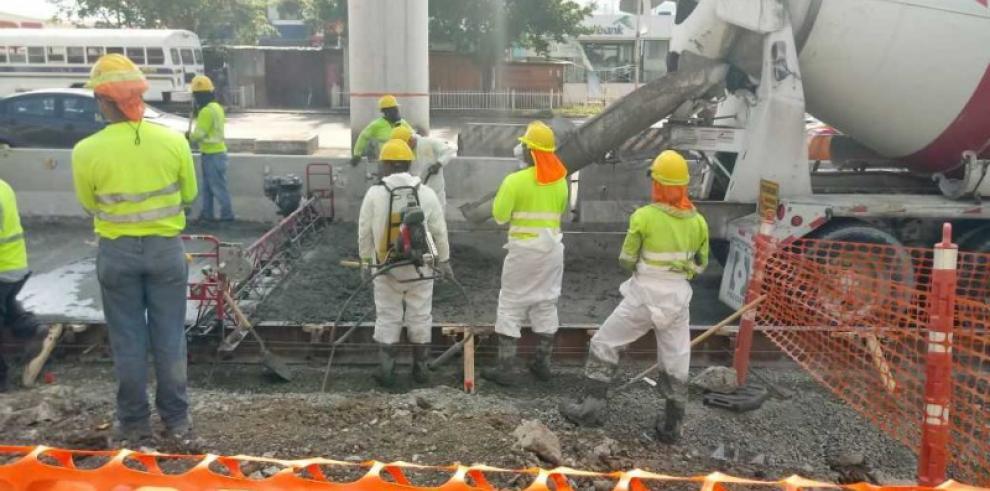 Gobierno negocia la desocupación de trabajadores informales en la vía Transístmica