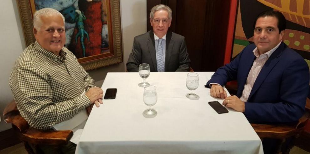 'El Toro' y Martín Torrijos se reúnen para limar asperezas