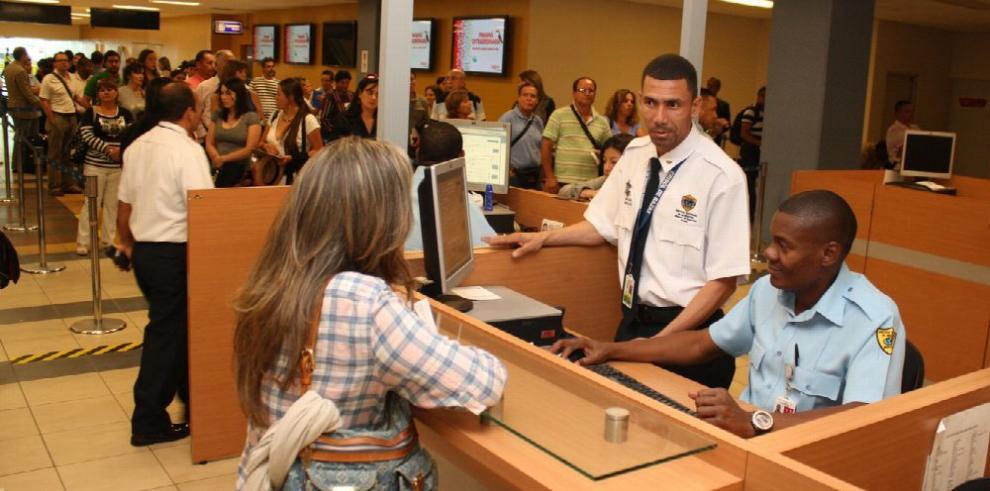 Colombianos y cubanos, los más detenidos