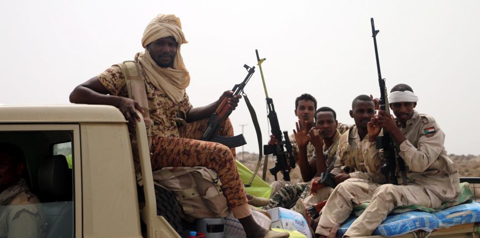 Fuerzas yemeníes apoyadas por Riad lanzan ataque en Al Hudeida