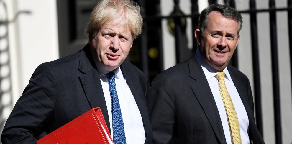 Johnson viaja a EEUU para abordar el acuerdo nuclear con Irán