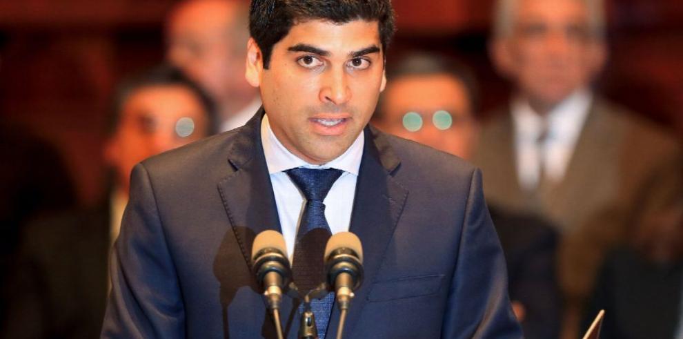 Tercer vicepresidente asume en Ecuador