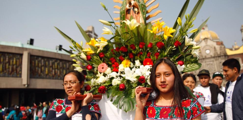 Dos millones de peregrinos llegan a capital mexicana para honrar a la Virgen